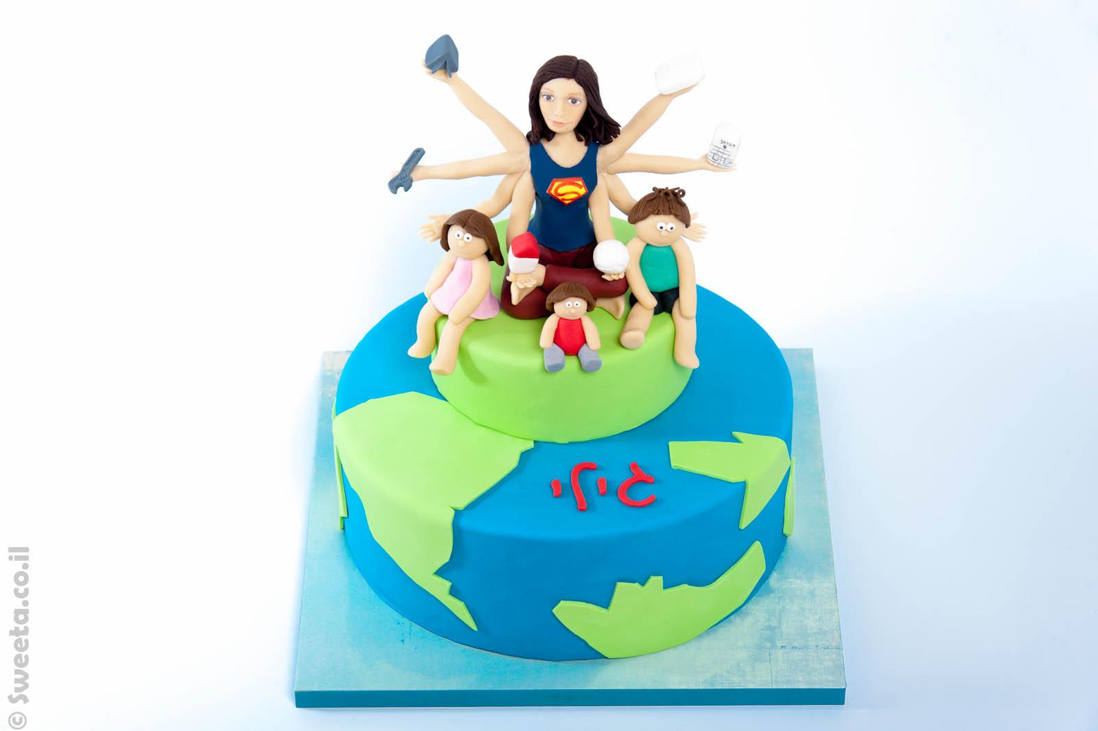 עוגת סופר אמא כל יכולה מעוצבת בבצק סוכר