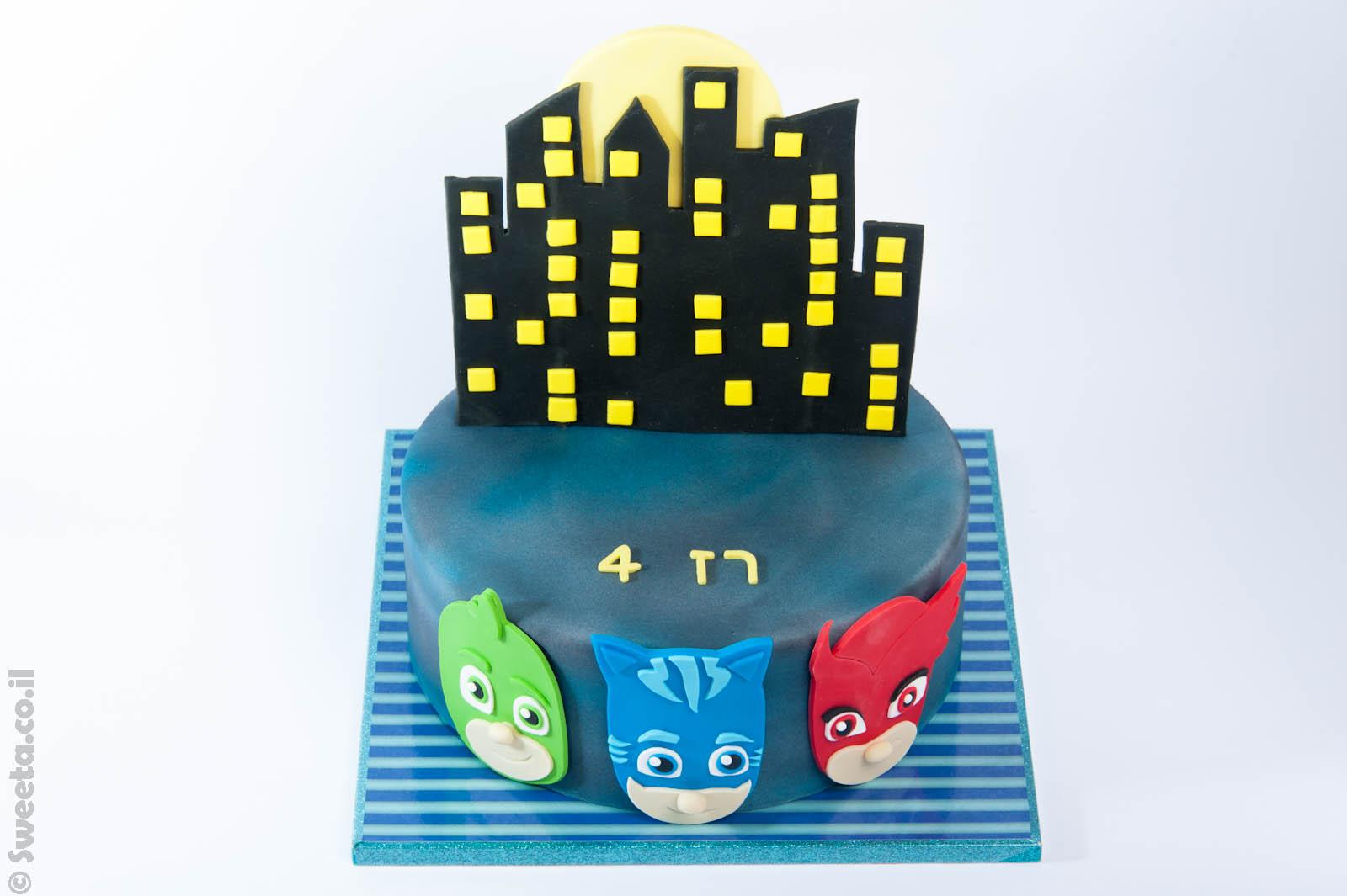 עוגת כח פי ג'י מעוצבת מבצק סוכר